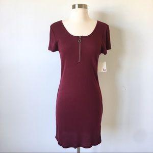 Maroon Ribbed Bodycon Zip Dress